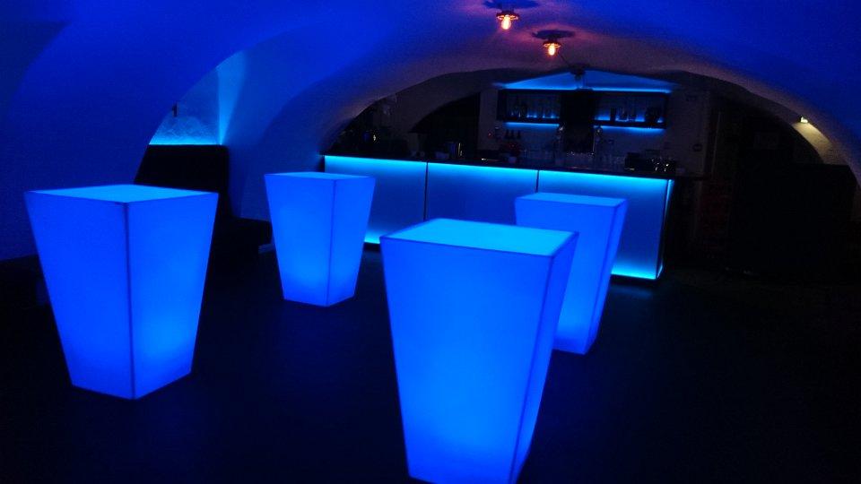 Conics blauw