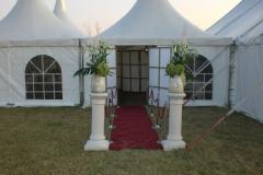 Entree Tent met marmeren zuil