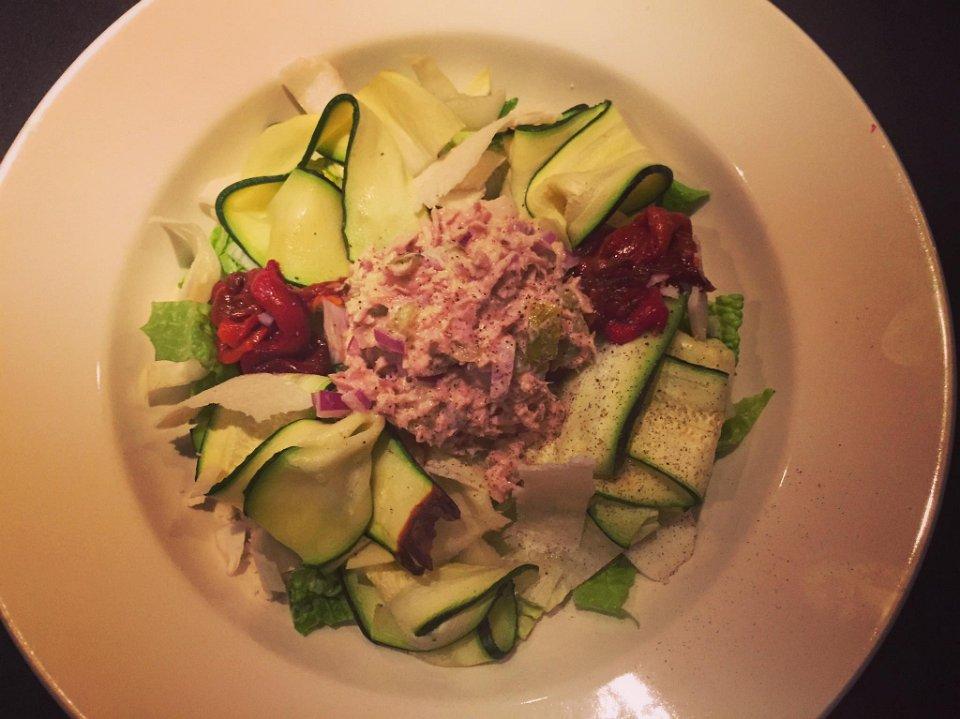 Salade in diep bordje