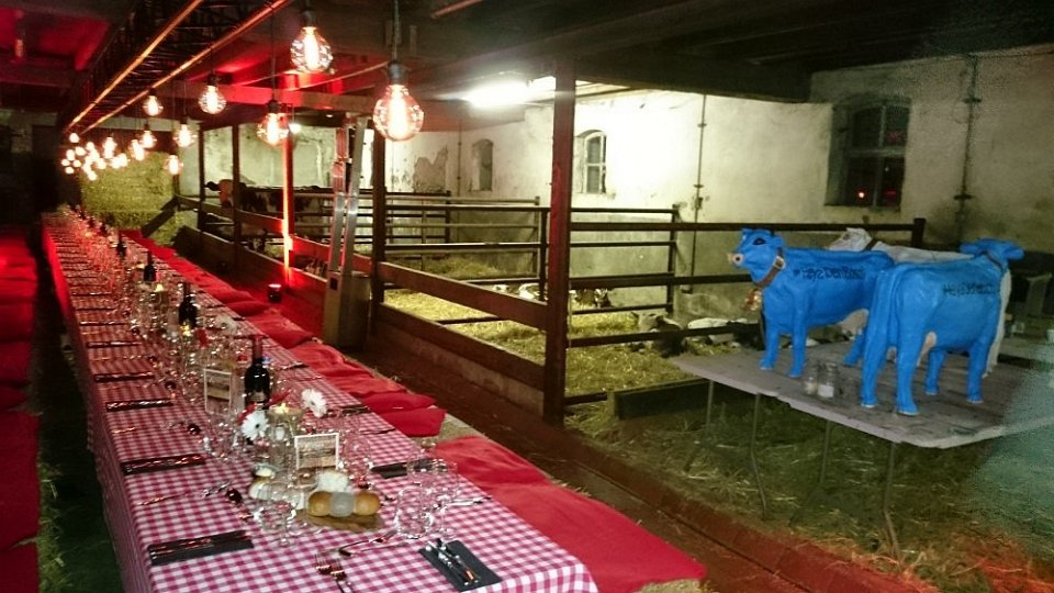 inrichting diner in stal