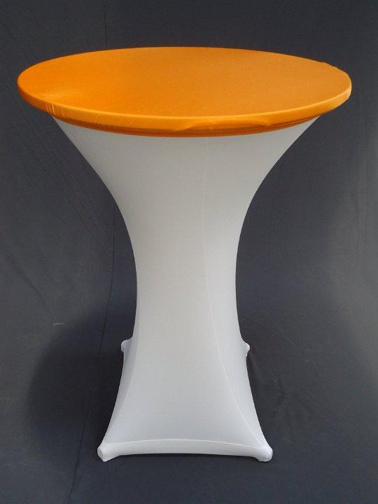 Statafel met witte strechhoes en oranje topcover