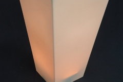 Conic statafel met oranje ledverlichting