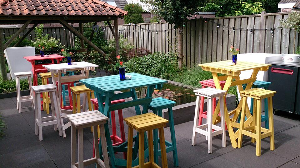 Gekleurde aankleding tuinfeest