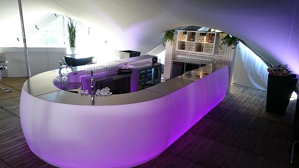 luxe verlichte bar fiesta op personeelsfeest huren